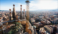 Храм Святого Семейства в Барселоне — вид сверху. Головокружительные снимки руфера