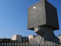 13 мозговзрывательных зданий, создатели которых наплевали на законы физики