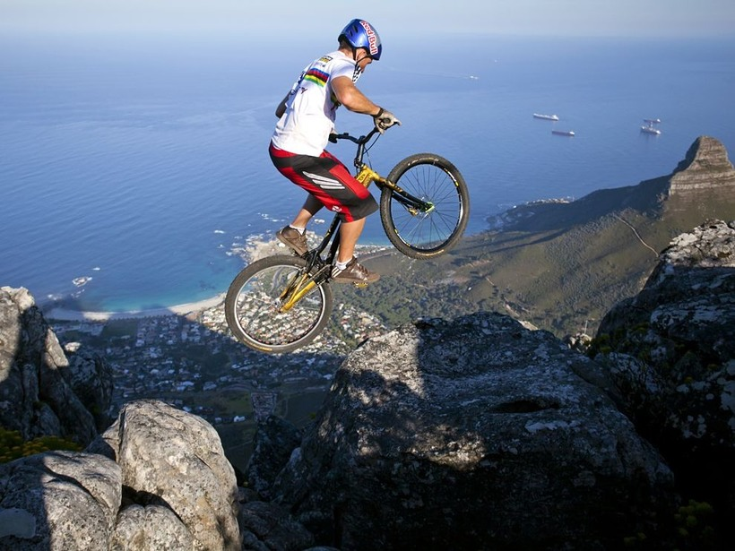 banning extreme sports Banning dangerous sports gives a sample answer on whether we must ban dangerous sports or not.