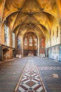 10 фото заброшенных церквей Европы, которые прекрасны, как разговор с Творцом
