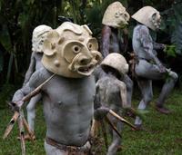 Самое необычное племя нетронутого уголка земли — «грязевые люди» Новой Гвинеи