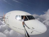 Селфи пилота, ставшие вирусными, оказались не такими опасными, как кажутся