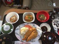 Женщина, родившая ребенка в Японии, показала, какую еду ей давали в госпитале