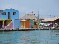 20 самых переполненных мест Земли — от аттракционов до островов
