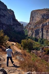 В царстве камней, мха и воды: почему стоит побывать в ущелье Унот в Нагорном Карабахе