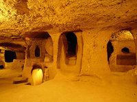 Загадки древнего подземелья: фантастический город Деринкую в Турции