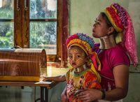 28 замечательных фото о мамах и детях из разных стран мира