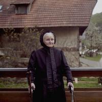 «Винтажные королевы»: последние немки на планете, которые носят традиционные костюмы