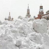 Феноменальный снегопад в Москве в ярких фотографиях из Инстаграма москвичей
