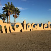 На пляже Playa de La Malagueta