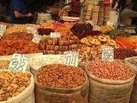 Орехи и сухофрукты на рынке в Эйлате