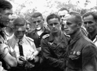 Война без прикрас: правдивые фотографии русских и немецких солдат в плену