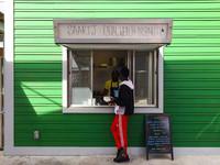 Расизм наоборот: в США чернокожий повар продает белым еду дороже