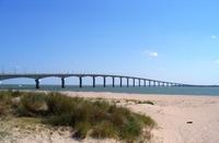 Автомобильный мост на остров Иль де Ре
