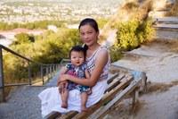 Фотограф запечатлела красоту матерей с детьми по всему миру