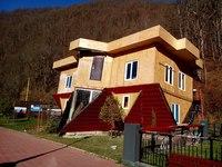 Дом-перевертыш на Красной Поляне