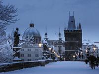 Снежная Прага помогает окунуться в рождественскую сказку