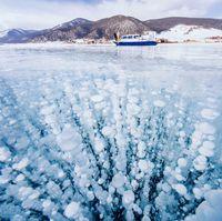 Загадочные круги на льду озера Байкал: ученые выяснили, как они образуются