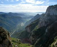 Монсеррат: «разрезанные горы» и бенедиктинский монастырь