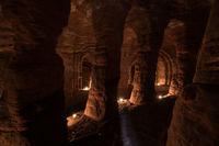 Эта кроличья нора — вход в секретную 700-летнюю сеть пещер, построенных тамплиерами!