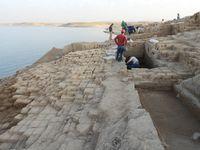 Из-за засухи водохранилище Ирака обнажило древнюю крепость, которой 3,5 тысячи лет